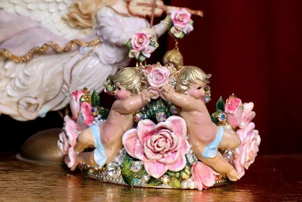 6977 Baroque Hand Painted Faced Cherubs Angels Holding The Rose Tall Full Crown