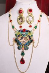 SOLD! 7002 Set Of Royal Queen Crystal Hummingbirds Cameo Necklace+ Earrings