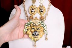 SOLD! 7014 Of Art Jewelry 3D Effect Baroque Lion Flower Crown Necklace