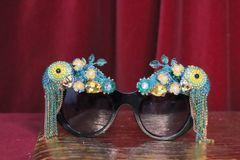 7059 Baroque Crystal Parrots Flowers Embellished Embellished Sunglasses