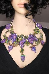 SOLD! 7069 Set Of Art Nouveau Hand Painted Vivid Grapes Bee Necklace+ Earrings