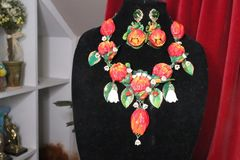 7151 Set Of Tulips Lily Of The Valley Hand Painted Necklace+ Earrings
