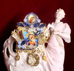 7239 Virgin Mary And A Child Icon Blue Cameo Massive Brooch