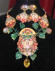 SOLD! 7258 Set Of Young Marie Antoinette Butterfly Cameo Necklace+ Earrings