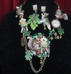 SOLD! 7342 Set Of Art Jewelry 3D Effect Squirrel Clock Oak Necklace+ Earrings