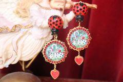 7343 Alice In Wonderland Cameo Earrings