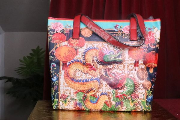 7357 Baroque Asian Dragon Beach PU Handbag