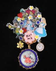 7370 Alice In Wonderland Enamel Details Brooch