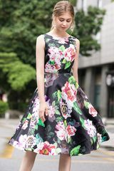 7402 Runway 2020 Floral Black New-Look Midi Dress