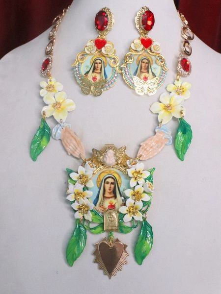 7517 Virgin Mary Madonna Orchids Praying Hands Necklace