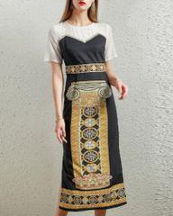 7526 Designer Inspired Runway Roman Column Print Midi Black Dress