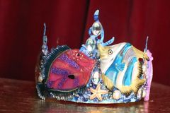 7549 Art Jewelry Marine Nautical Tropical Fish Coral Reef Hand Painted Crown
