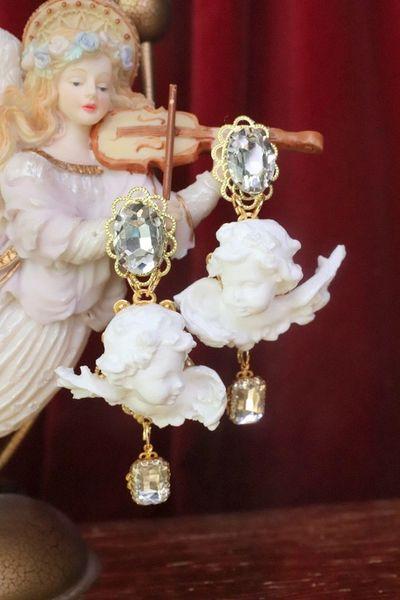 7560 Baroque White Small chubby Cherubs Angels Earrings