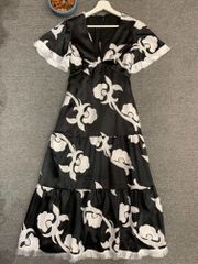 7580 Designer Inspired Runway Floral Print Embroidery Black Midi Dress