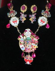7592 Set Of Alice In Wonderland Rich Fuchsia Adorable Necklace+ Earrings