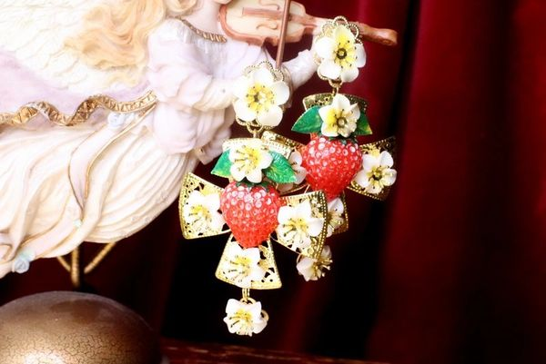 7633 Baroque Hand Painted Strawberry Cross Leaf Earrings