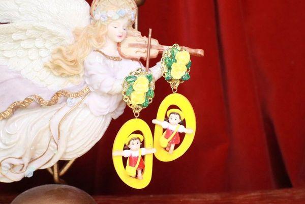7702 Unusual 3D Effect Cartoonish Yellow Studs Earrings
