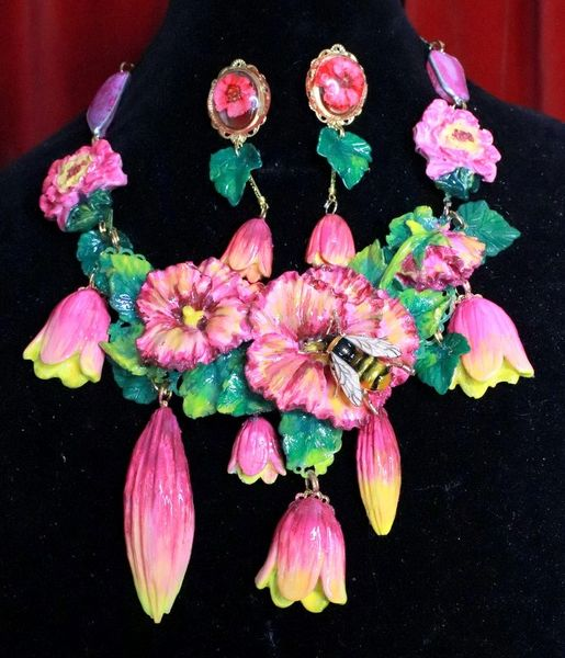 7726 Set Of 3D Effect Hand Painted Village Flowers Hibiscus Bee Massive Genuine Agates Statement Necklace+ Earrings