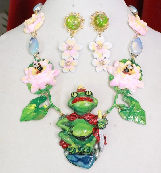 7734 Set Of The Prince Frog Dreaming Adorable Water Lily Necklace+ Earrings