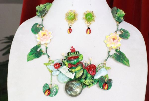 7735 Set Of The Prince Frog Dreaming Adorable Water Lily Necklace+ Earrings
