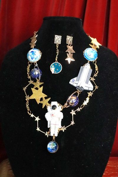 SOLD! 7768 Set Of 3 D Effect NASA Astronaut Globe Space Necklace+ Earrings
