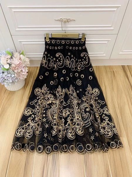 7940 High-End Sheer Embroidery Black Runway 2020 Magic Midi Skirt