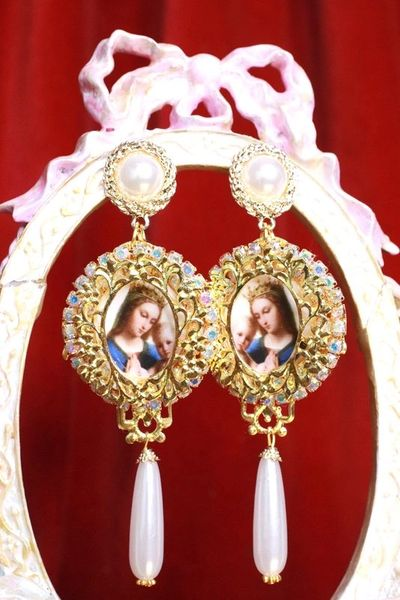 7947 Madonna And A Child Vintage Style Pearl Studs Earrings