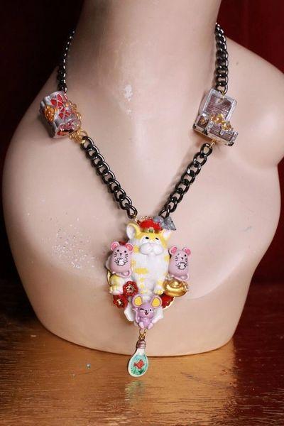 7976 Adorable Rich Cat Mice Cartoonish Pendant Necklace