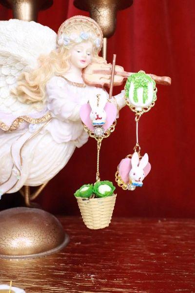 7977 Bunny Cabbage Irregular Studs Earrings