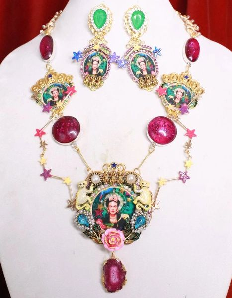 7996 Set Of Frida Kahlo Pastel Stars Monkey Necklace+ Earrings