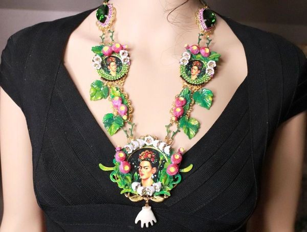 8095 Set Of Frida Kahlo Pastel Lily Of The Valley Necklace+ Earrings