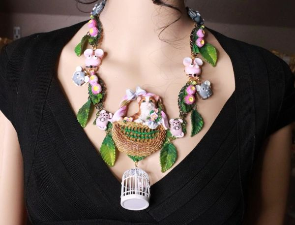 8144 Set Of Art Jewelry Hand Painted 3D Effect Kitty Cat Mise Statement Necklace+ Earrings