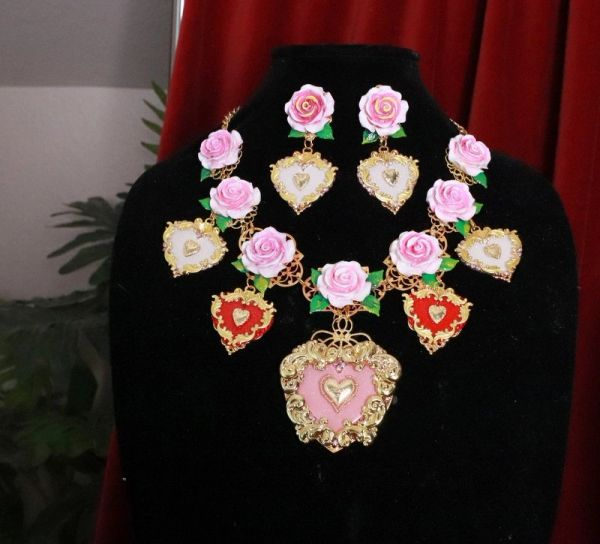 8232 Set Of Baroque Sacred Heart Pale Roses Statement Necklace+ Earrings