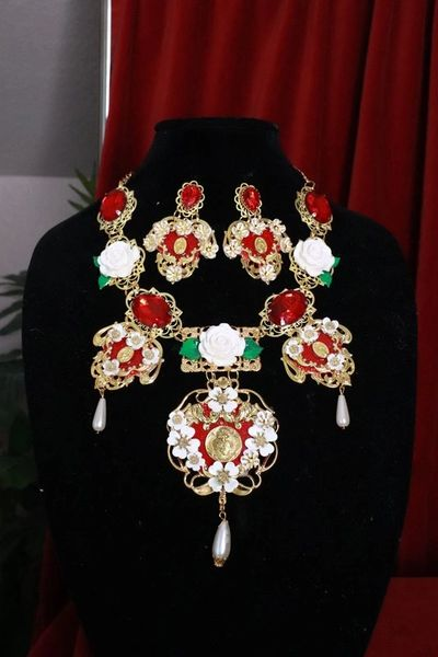8235 Set Of Baroque Sacred Heart Red Roses Statement Necklace+ Earrings