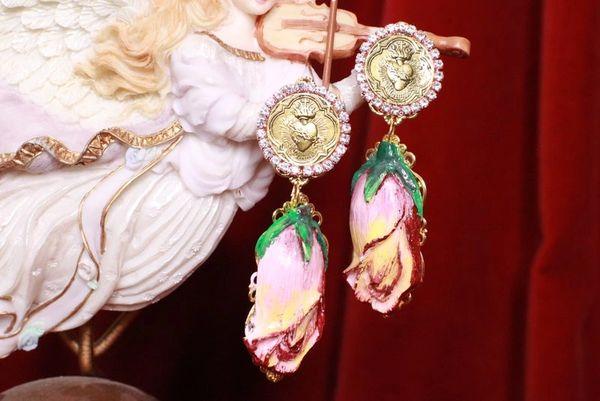 8239 Baroque Sacred Heart Rose Pale Pink Earrings Studs