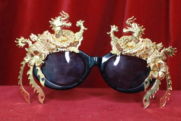 8241 Baroque Gold Asian Dragons Embellished Sunglasses