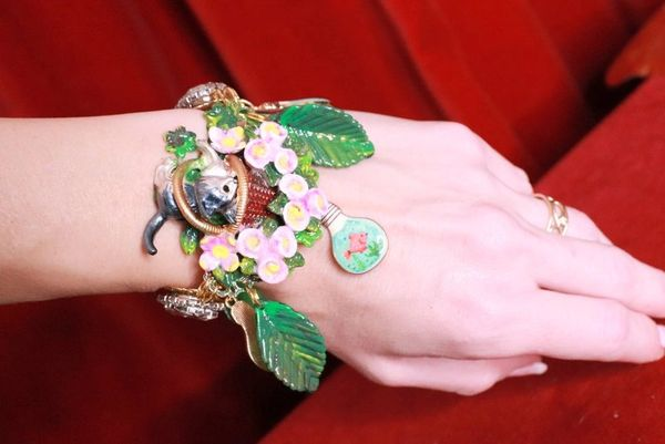 8269 Baroque Enamel Cat In A Basket Roses Bracelet