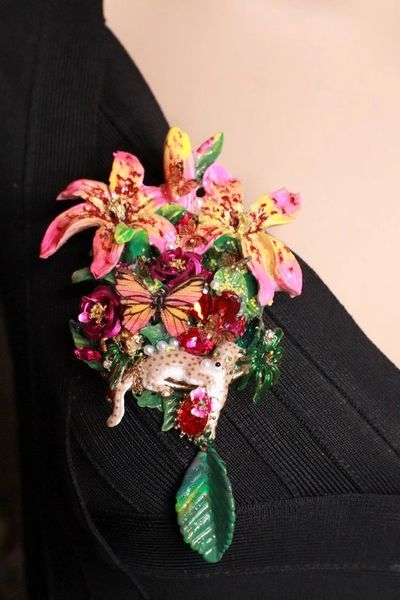SOLD! 8288 Art Jewelry Hand Painted 3D Effect Dona Anna Flowers Leopard Brooch