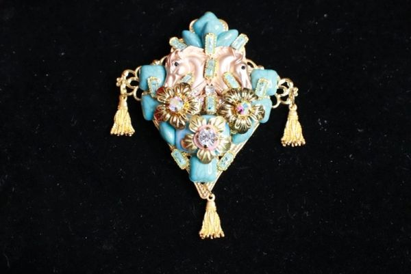 8294 Baroque 3D Effect Genuine Turquoise Horses Vintage Style Unique Brooch