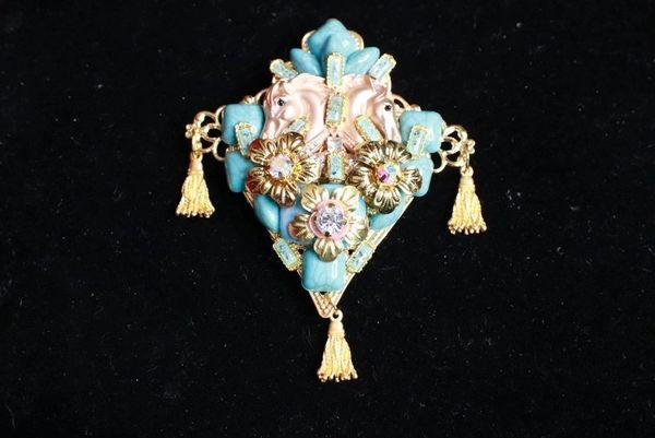 8294 Baroque 3D Effect Genuine Turquoise Horses Vintage Style Unique Brooch