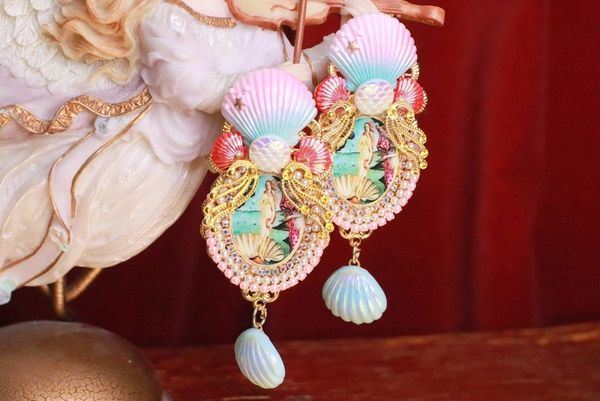 8301 Birth Of Venus Tall Shell Octopus Victorian Cameo Earrings Studs