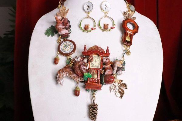 8315 Set Of Art Jewelry 3D Effect Squirrel Clock Oak Necklace+ Earrings