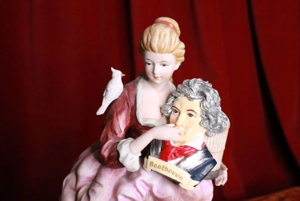 7406 Beethoven Portrait Musical Hand Painted Unique Brooch