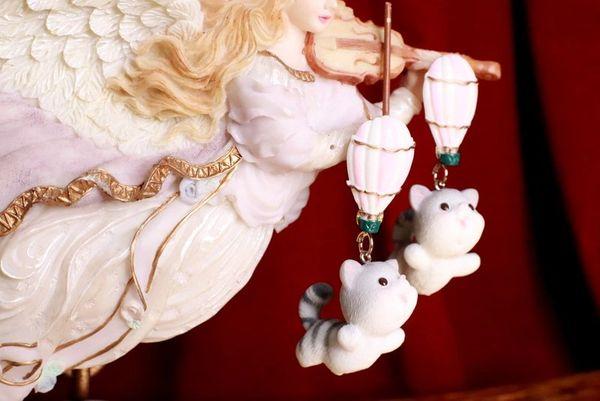 SOLD! 8319 Art Jewelry Flying Kitty Cat Balloon Earrings