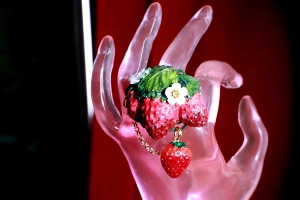 8385 Art Jewelry Vivid Strawberry 3D Effect Cocktail Ring