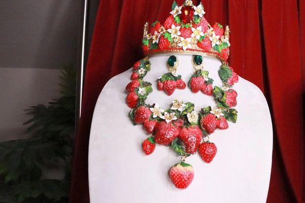 8388 Set Of Art Nouveau Vivid Hand Painted Strawberry Massive Necklace+ Earrings