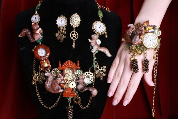 8402 Baroque Oak Clock Squirrel Hand Painted Adjustable Bracelet