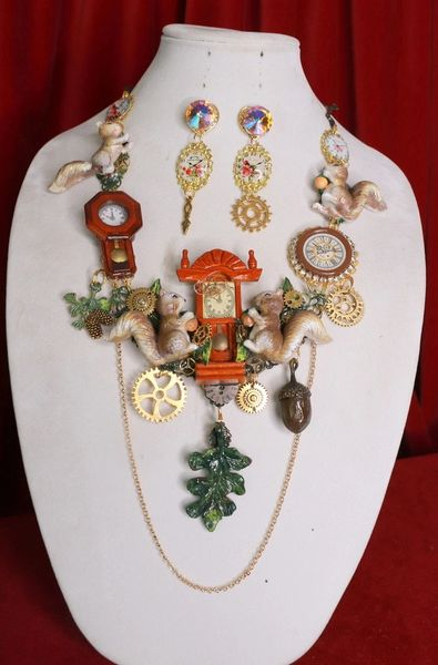 8446 Set Of Art Jewelry 3D Effect Squirrel Clock Oak Necklace+ Earrings