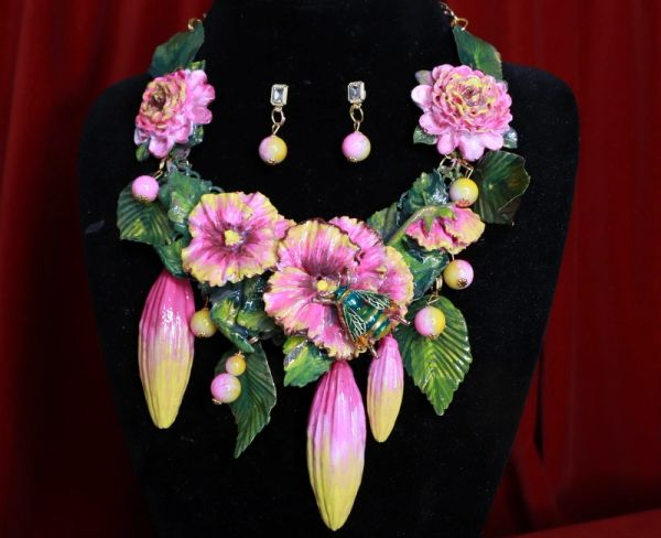 8456 Set Of 3D Effect Hand Painted Village Flowers Hibiscus Bee Massive Genuine Agates Statement Necklace+ Earrings