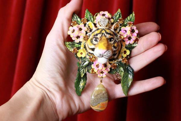 SOLD! 8493 Baroque 3D Effect Hand Painted Vivid Tiger Mom's Love Unique Brooch